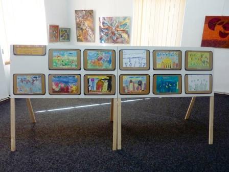 Copiii din comuna Ion Creangă expun la Muzeul de Artă