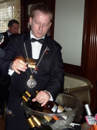 Degustare de vinuri Cotnari, la Hotel Roman