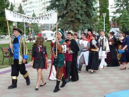 Parada costumelor de epocă