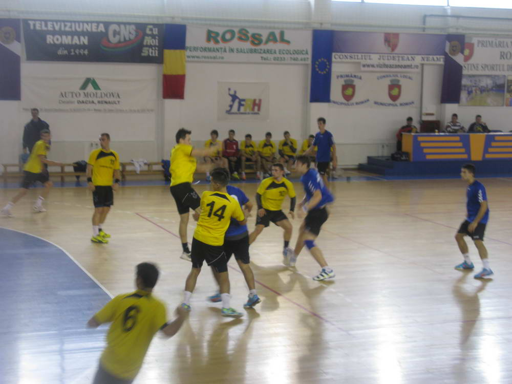 Debut bun al handbaliștilor juniori romașcani în campionat