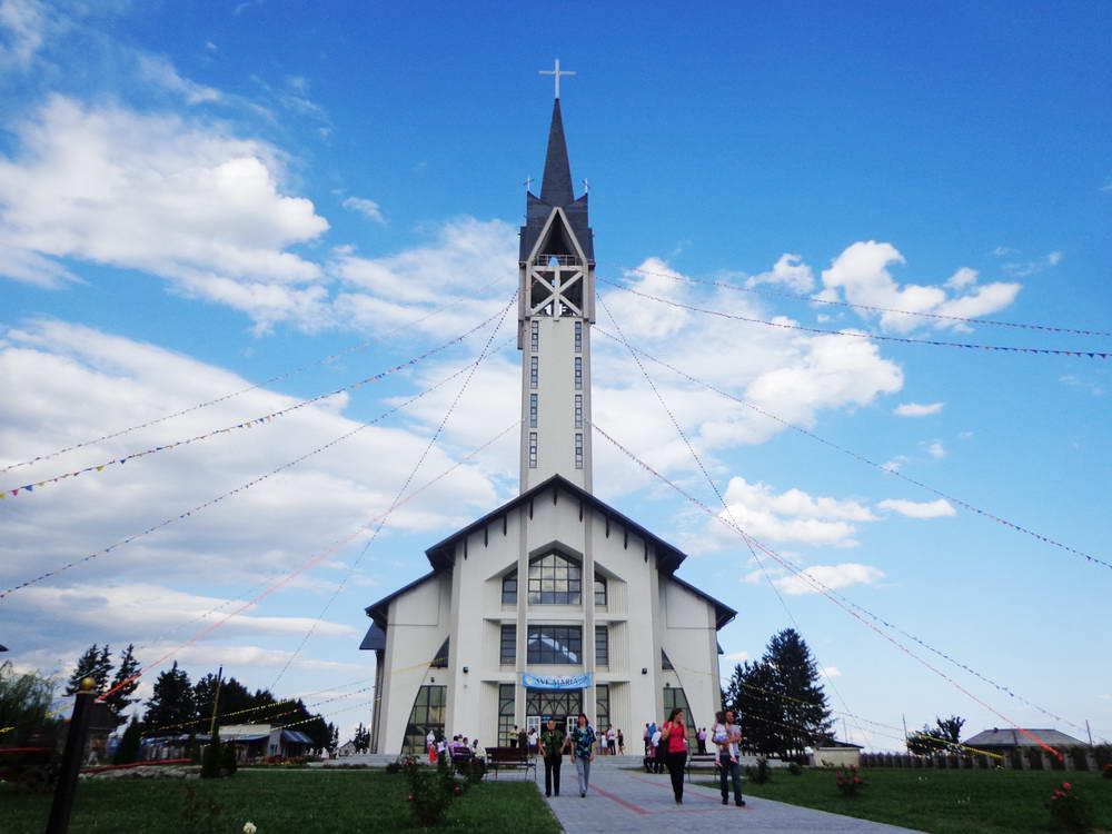 Biserica din Nisiporeşti a fost sfinţită