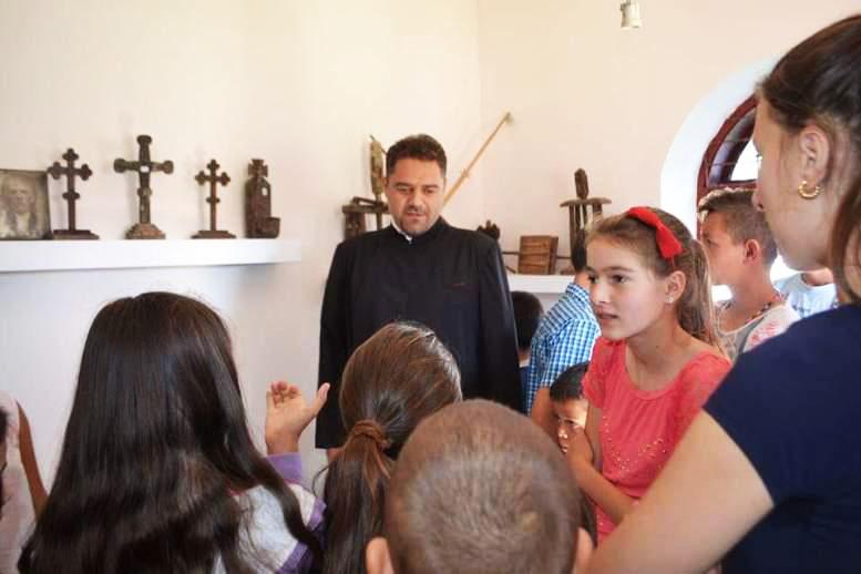 Școală de vară pentru copiii din Văleni