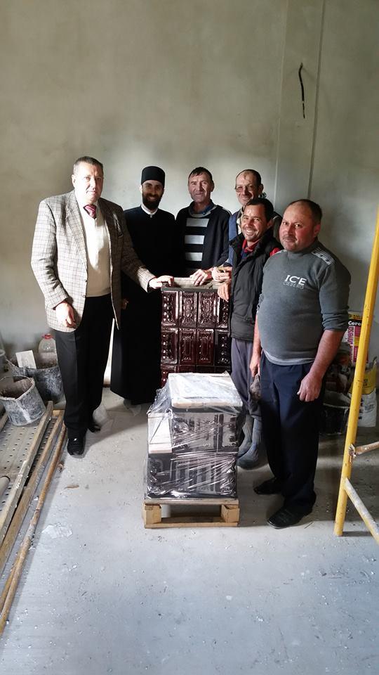 Primarul din Bozieni a făcut o donație bisericii satului
