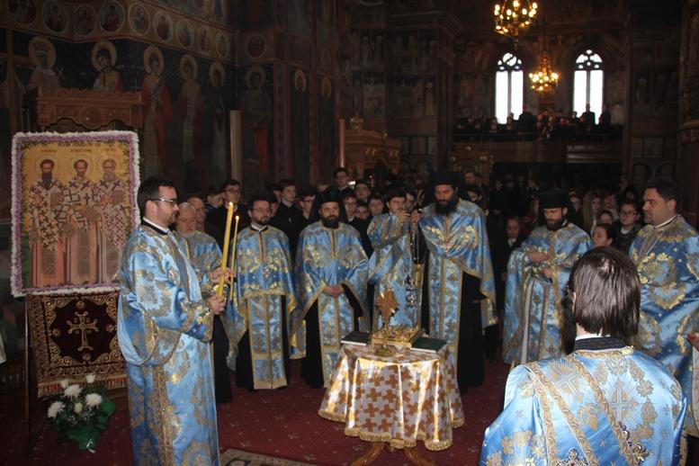 Patronii învățământului teologic, omagiați la Roman