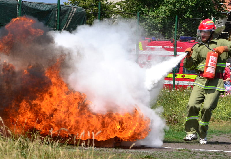 Rezerviştii din MAI sunt aşteptaţi să se angajeze la Pompieri
