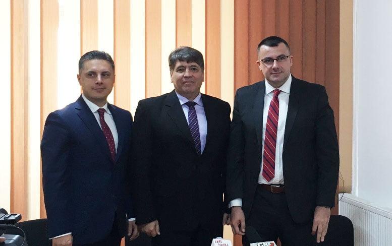 Preşedintele PNL Neamţ Mugur Cozmanciuc şi preşedintele PNL Roman Laurenţiu Leoreanu i-au urat bun venit în echipa liberală lui Alin Lucian Antochi – fost secretar de stat şi europarlamentar