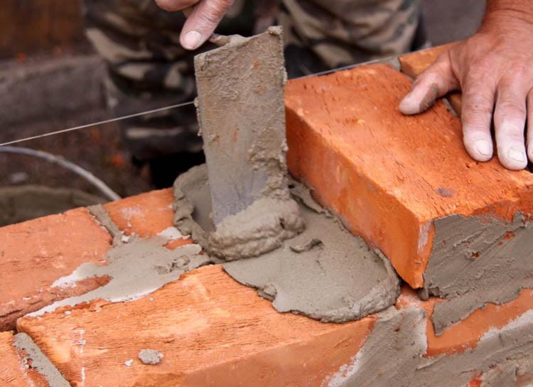Angajatori din construcţii sancționați de ITM Neamţ