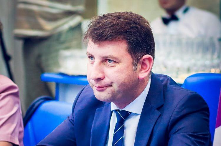Primarul Lucian Micu pleacă în Spania