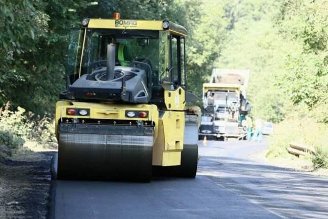 asfaltare drum Poiana Teiului Ionel Arsene CJ 1