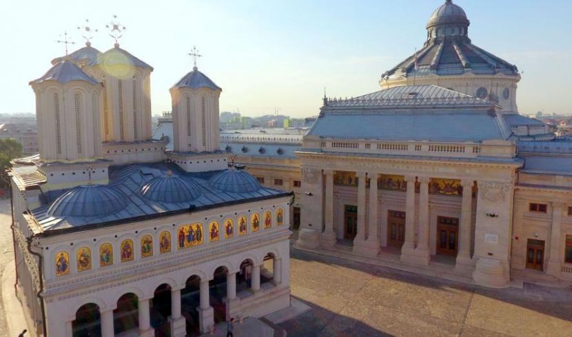 """Biserica Ortodoxă Română: """"Trebuie continuată lupta anticorupție, iar cei vinovați trebuie sancționați, deoarece hoţia şi furtul degradează societatea în plan moral şi material"""""""