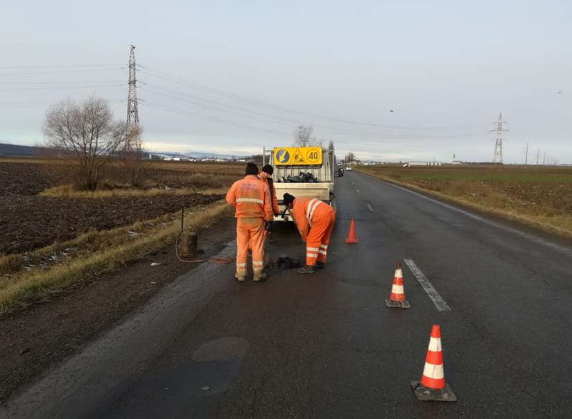 Reparaţii asfaltice de sezon pe drumurile naţionale