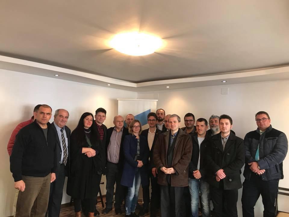 Deputatul USR Iulian Bulai a deschis un nou cabinet parlamentar, la Tîrgu Neamț