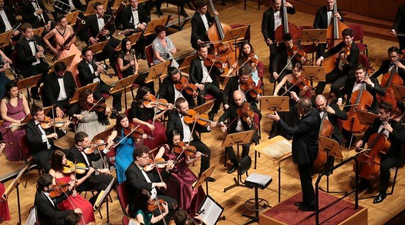 Concert în Roman al Orchestrei Metropolitane București, duminică, în Grădinile Arhiepiscopiei. VIDEO