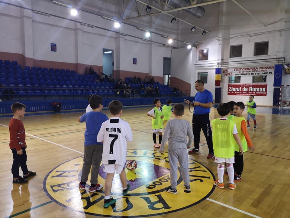 48 de copii în grupele de fotbal juniori, în urma preselecției organizate de CSM Roman