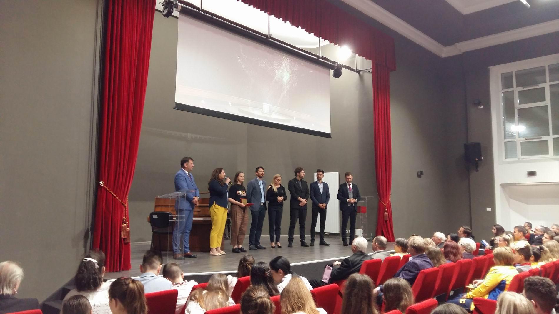 [VIDEO] Gala Excelenței Romașcane 2019 – premiu de excelență pentru Roman #weCONNECT