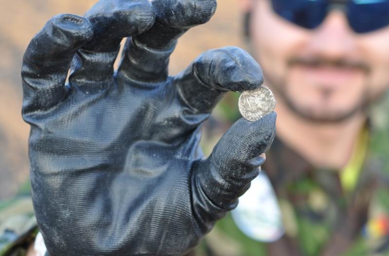 Monede vechi de 2.000 de ani descoperite de un polițist