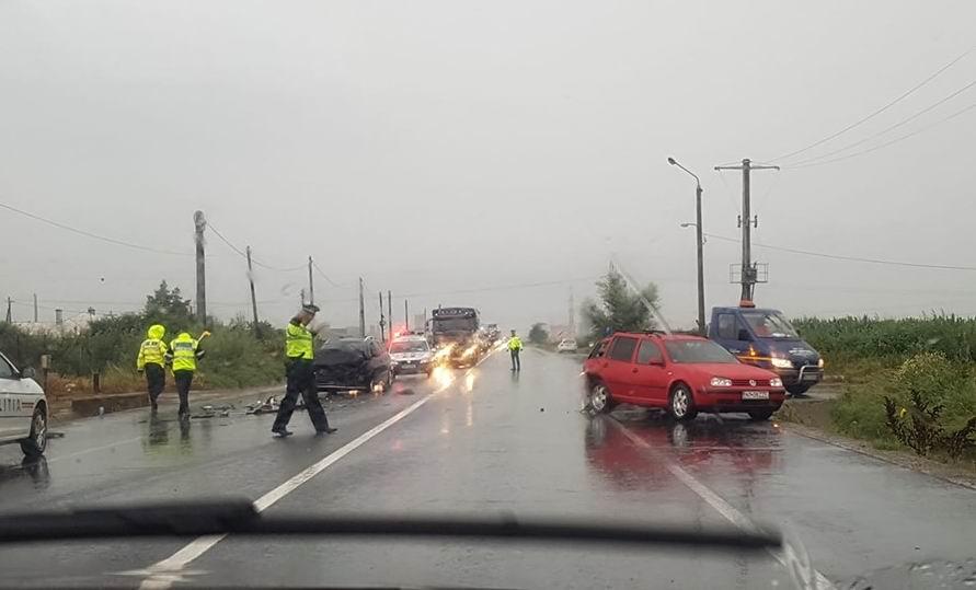 Accident rutier pe E 85, o persoană a fost rănită