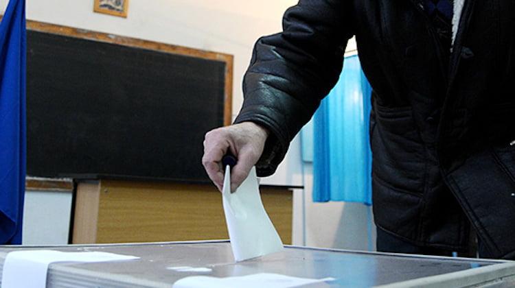 Preoții îi îndeamnă pe credincioși să meargă la vot
