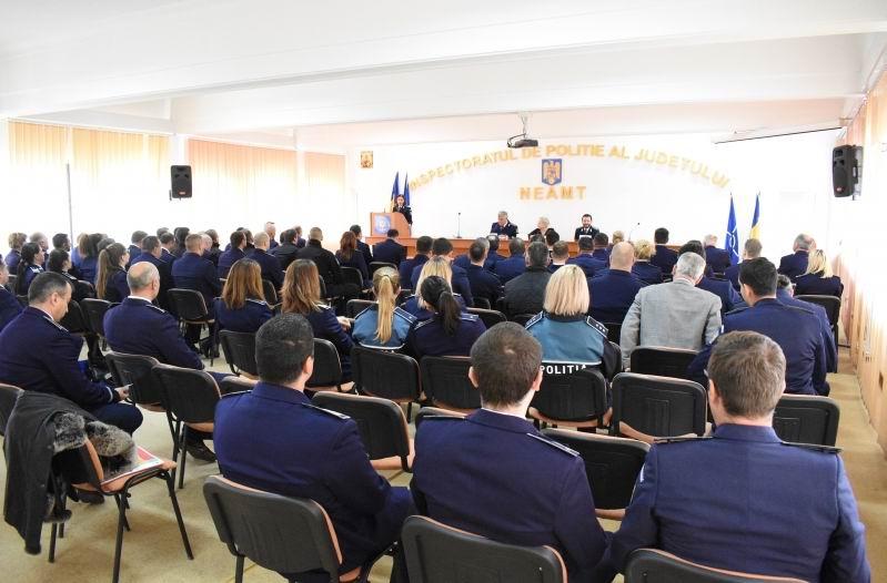 Avansări în grad la IPJ Neamț, cu prilejul Zilei Naționale