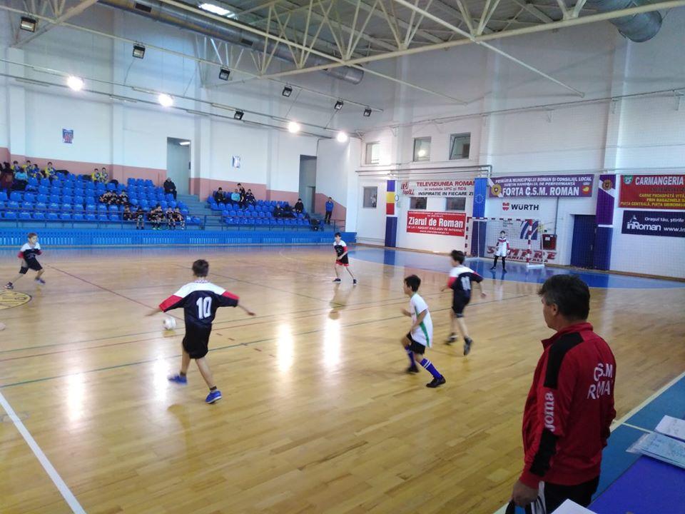 """S-au stabilit primele finaliste în cadrul Turneului de Fotbal Juniori """"Kinder Cup"""" – ediția """"Moș Crăciun"""" 2019"""