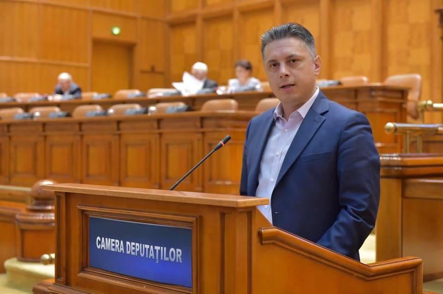 """Deputatul Mugur Cozmanciuc: """"Economia României va primi un impuls serios în urma unor programe ce vor fi lansate de Guvernul PNL pentru companiile mari și IMM-uri"""""""