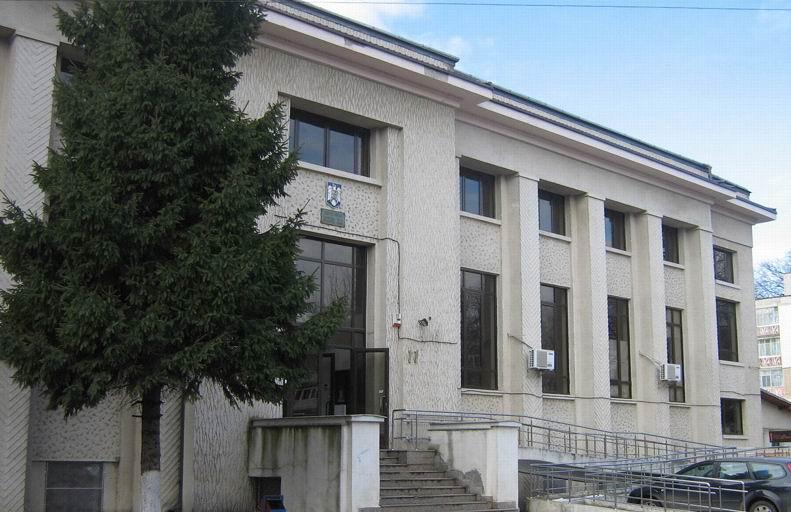 Verificări la Jandarmerie, după ce un cetățean a reclamat că a fost agresat de un jandarm în Roman