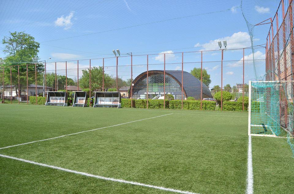 Se redeschide terenul de minifotbal de lângă Sala Sporturilor