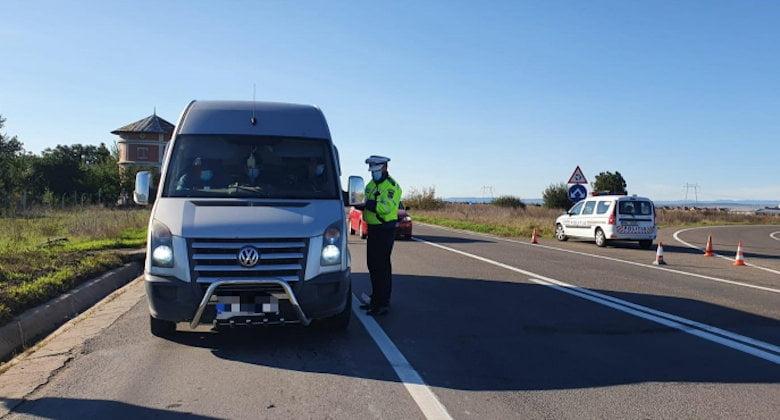 Transportatori de persoane și de mărfuri, sancționați de polițiști
