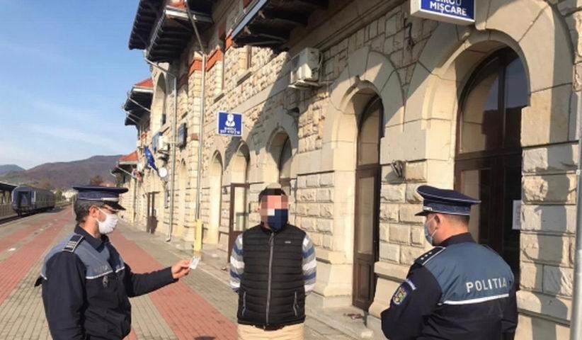 Controale ale polițiștilor în trenuri și în gările din județ