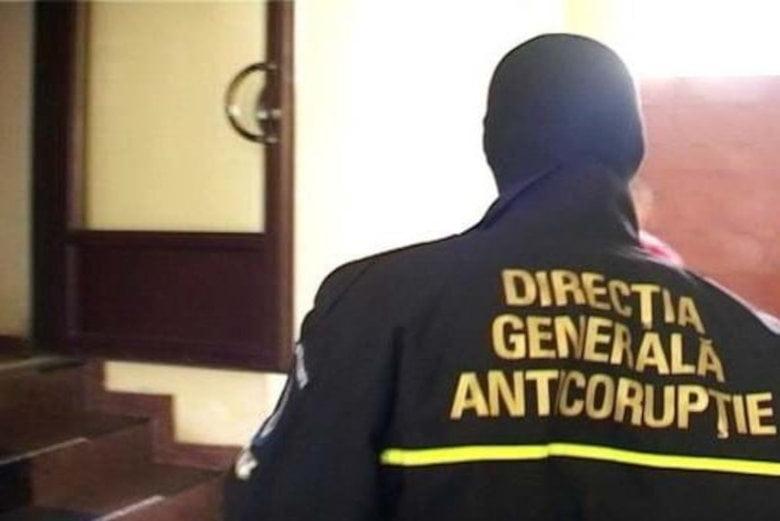 Percheziții în Neamț pentru fapte de corupție legate de infracțiuni la regimul silvic