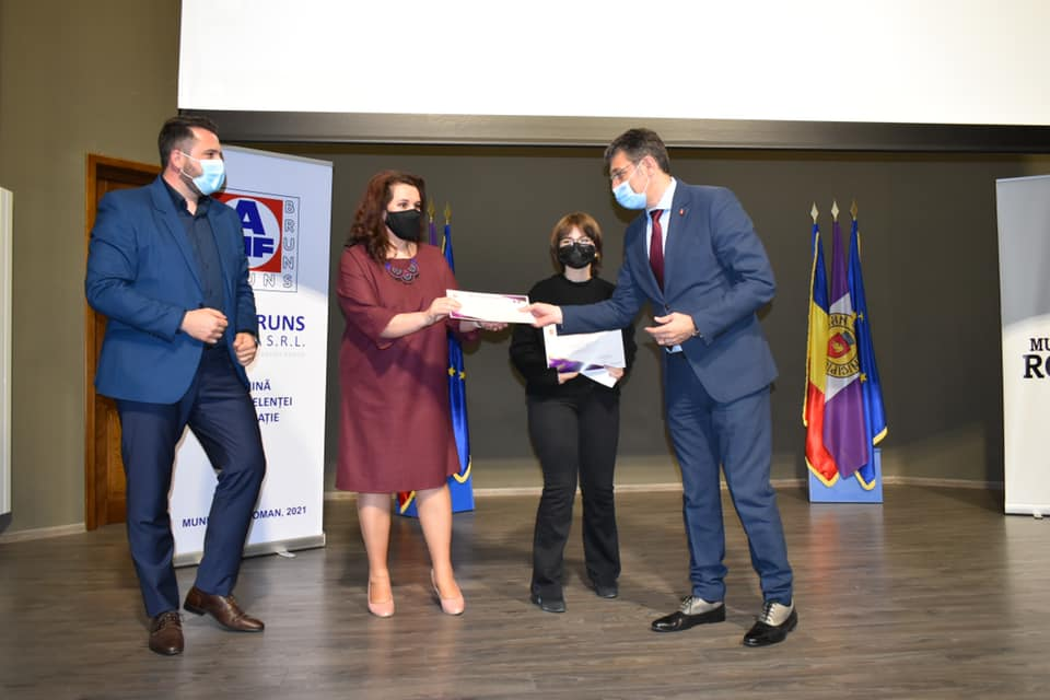 Elevii și profesorii romașcani, premiați de Zilele Municipiului