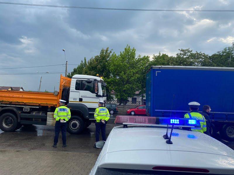 Transportatori verificați de polițiști