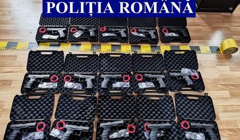 Percheziții în Neamț la persoane bănuite de nerespectarea regimului armelor și munițiilor