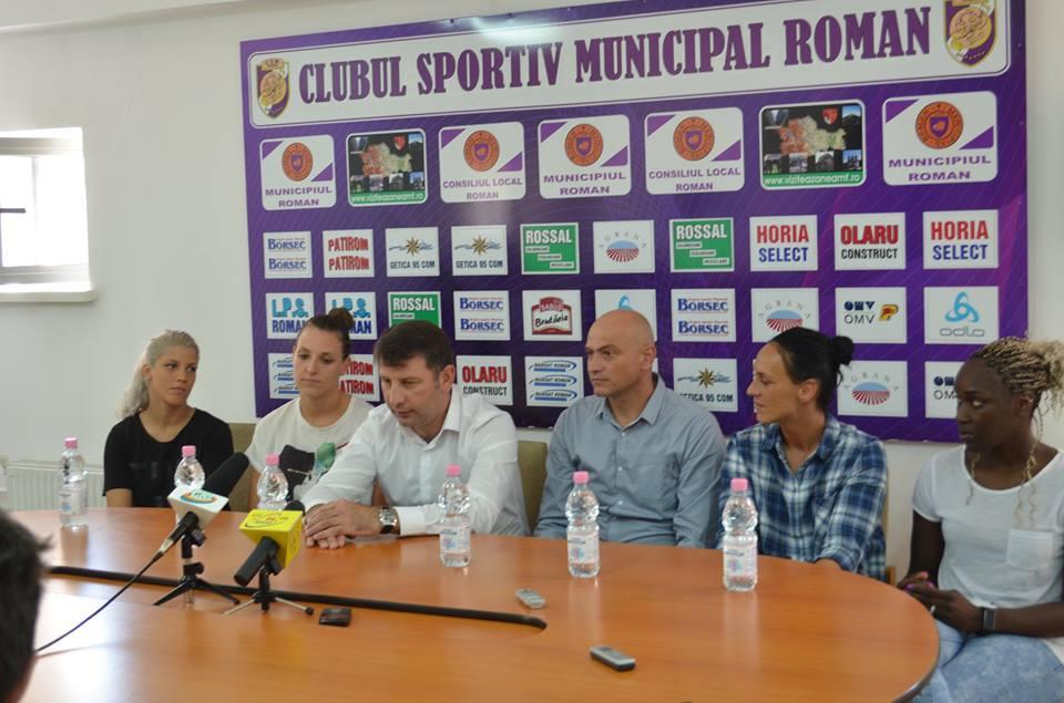 Echipa de handbal CSM Roman și-a prezentat lotul și obiectivele pentru noul sezon