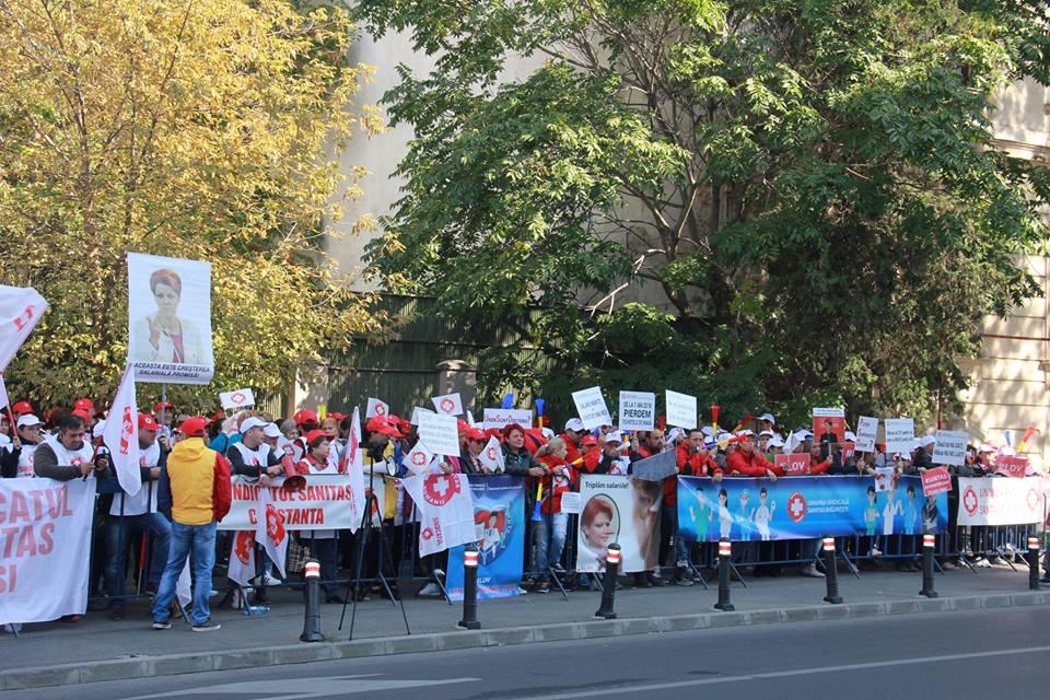 Membrii SANITAS veniți din toată țara protestează față de nepăsarea guvernanților