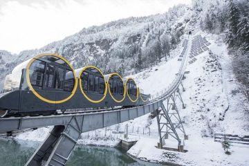 La ferrovia più ripida del mondo è stata da poco aperta e si trova nelle Alpi svizzere