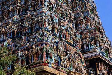 In India un tempio adornato con più di 33.000 sculture