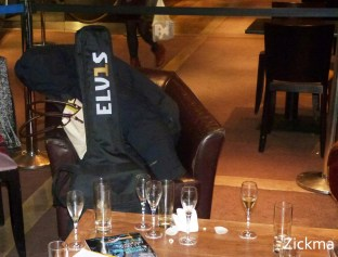 El Ultimo Elvis avp20