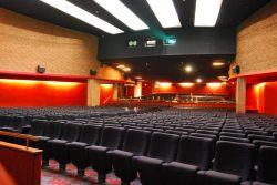 Salle panoramique de 850 fauteuils)