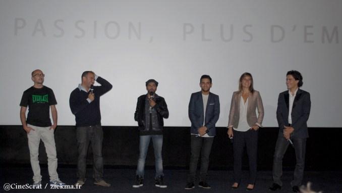 Fatsah Bouyahmed (acteur), Mohamed Hamidi (réalisateur), Jamel Debbouze (acteur), Malik Bentalha (acteur), Julie De Bona (actrice) et Tewfik Jallab (acteur) à l'avant-première de l'UGC Ciné Cité Rosny