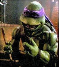 et c'est aussi la voix de Donatello dans les Tortues Ninja 1 et 3