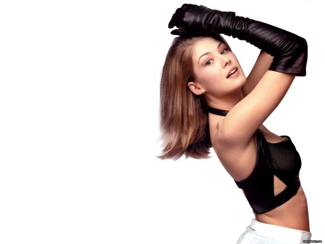 Rosamund Pike die another day