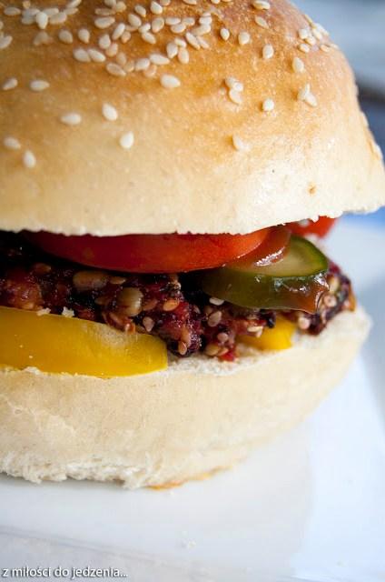 Wegańskie burgery z buraków