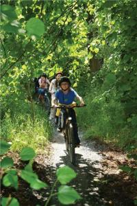 mountain biking kids 200x300 - Elmira Event Introduces Kids to the Fun of Mountain Biking
