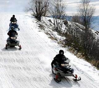 snowmobilers - NY Snowmobile Accident Lawyer Offers Important Snowmobile Safety Reminder