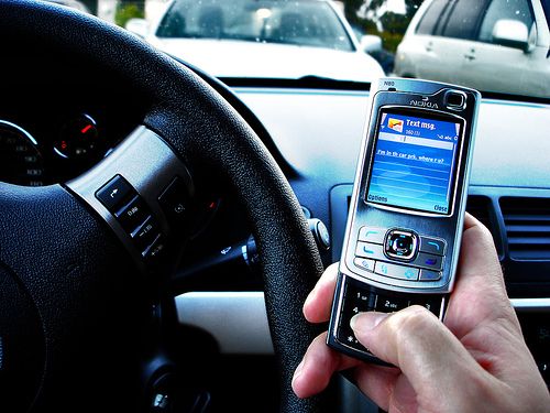 textdriving - New York Crackdown On Texting Drivers Sends Right Message, Says NY Accident Lawyer