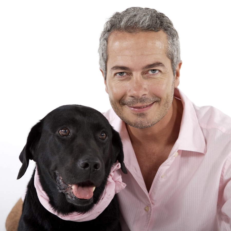 Richard Cross is the guest blogger and the founder of TheDogClinic.com.