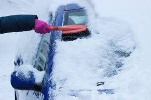 this-is-safest-way-remove-snow-car-503844496-ratmaner