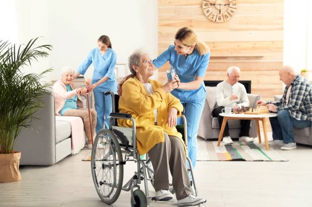 Understanding the Signs of Elderly Abuse and Neglect in Nursing Homes - Understanding the Signs of Elderly Abuse and Neglect in Nursing Homes