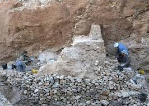 Senzační objev vědců v Africe. Našli kosti člověka staré 300 tisíc let |  Blesk.cz
